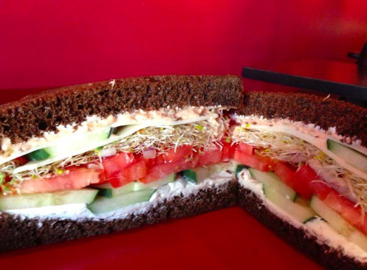 Orlando Tea Cafes - Pom Pom's Teahouse & Sandwiches - Artsy Restaurant